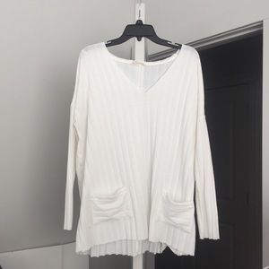 Sweaters - White V Neck Sweater With Pockets